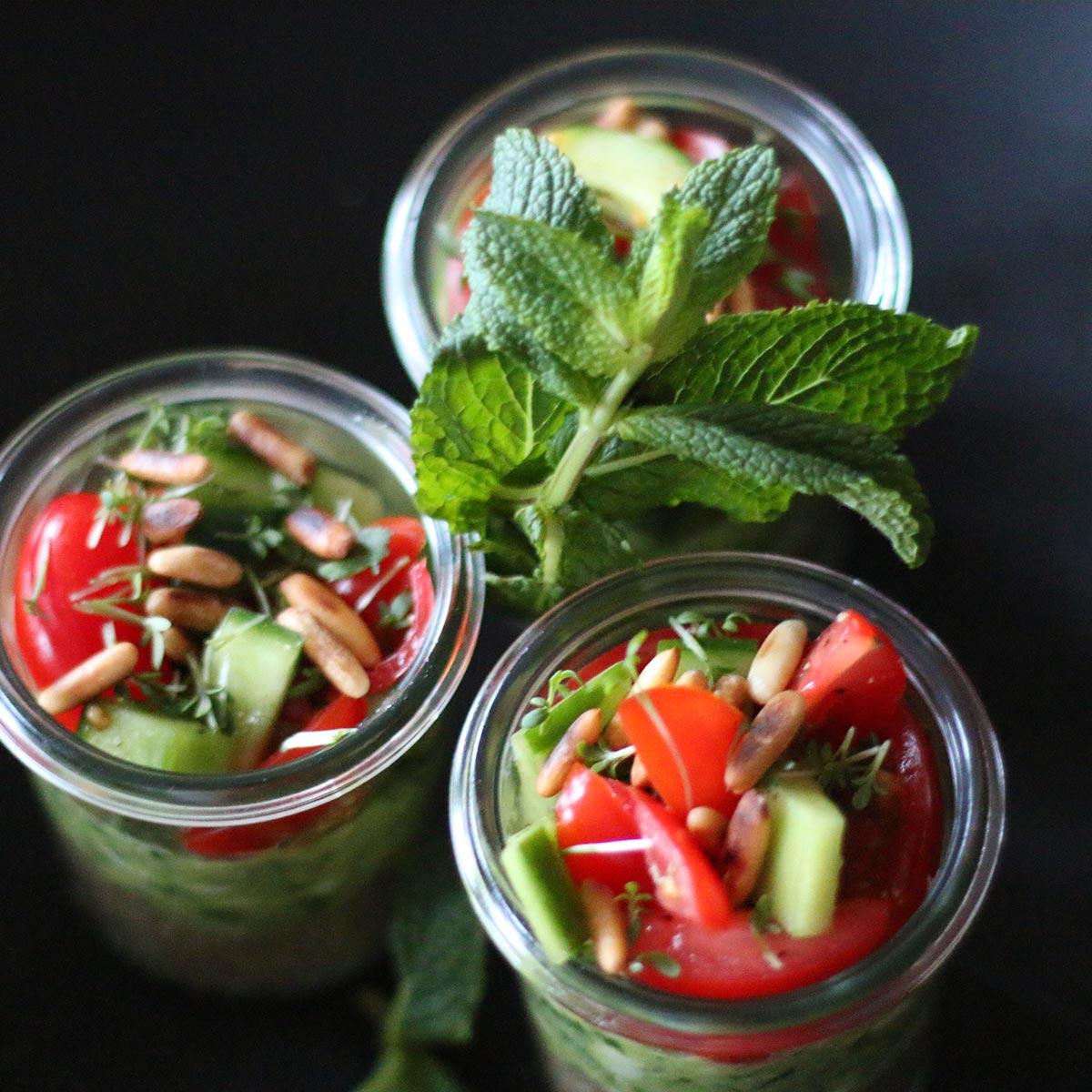 Hühnchen, Guacamole, Quinoa - Dreierlei im Glas