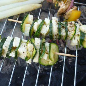 Zucchini-Haloumi-Spieße