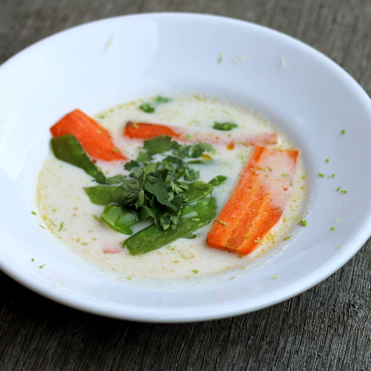 Kokossuppe mit Naan