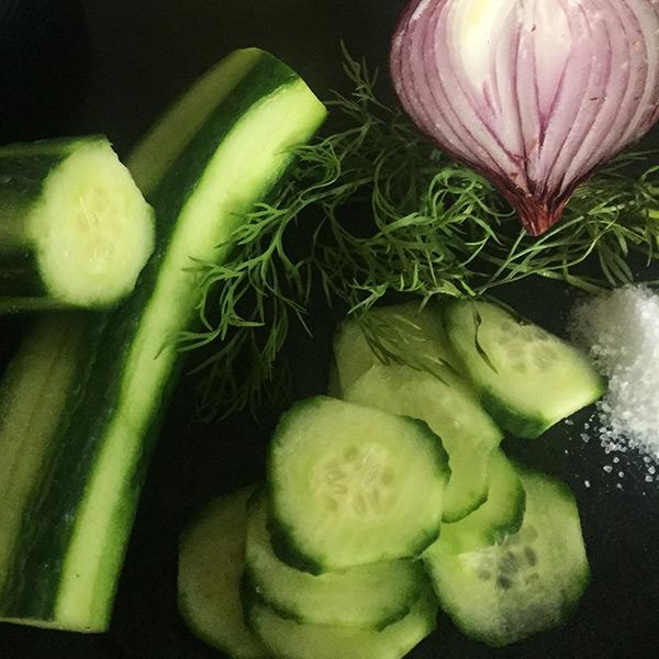 Zubereitung Gurkensalat Koch für 2!