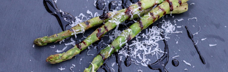 Gemüse grillen: gegrillter Spargel