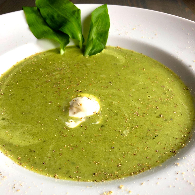 Bärlauch-Creme-Suppe mit Kokosmilch
