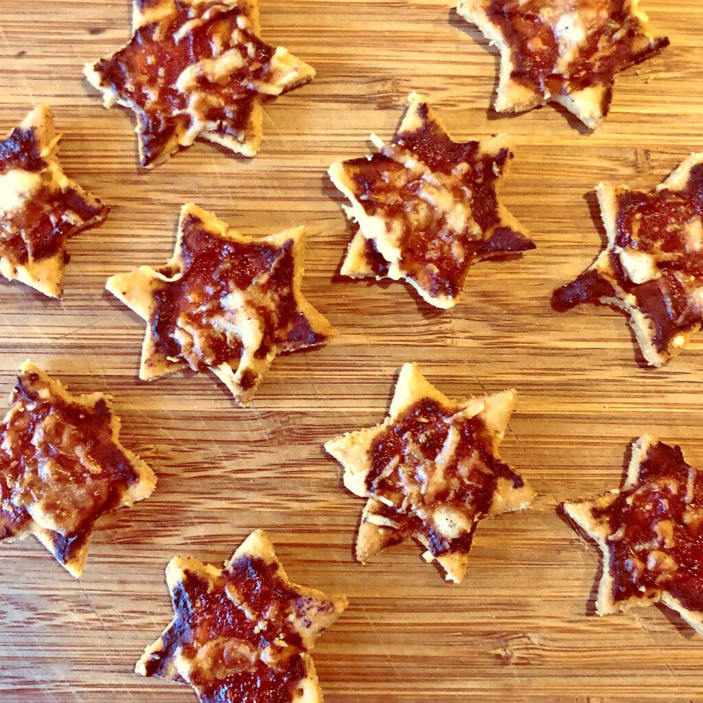 Herzhafte Weihnachtskekse: Pizzacracker