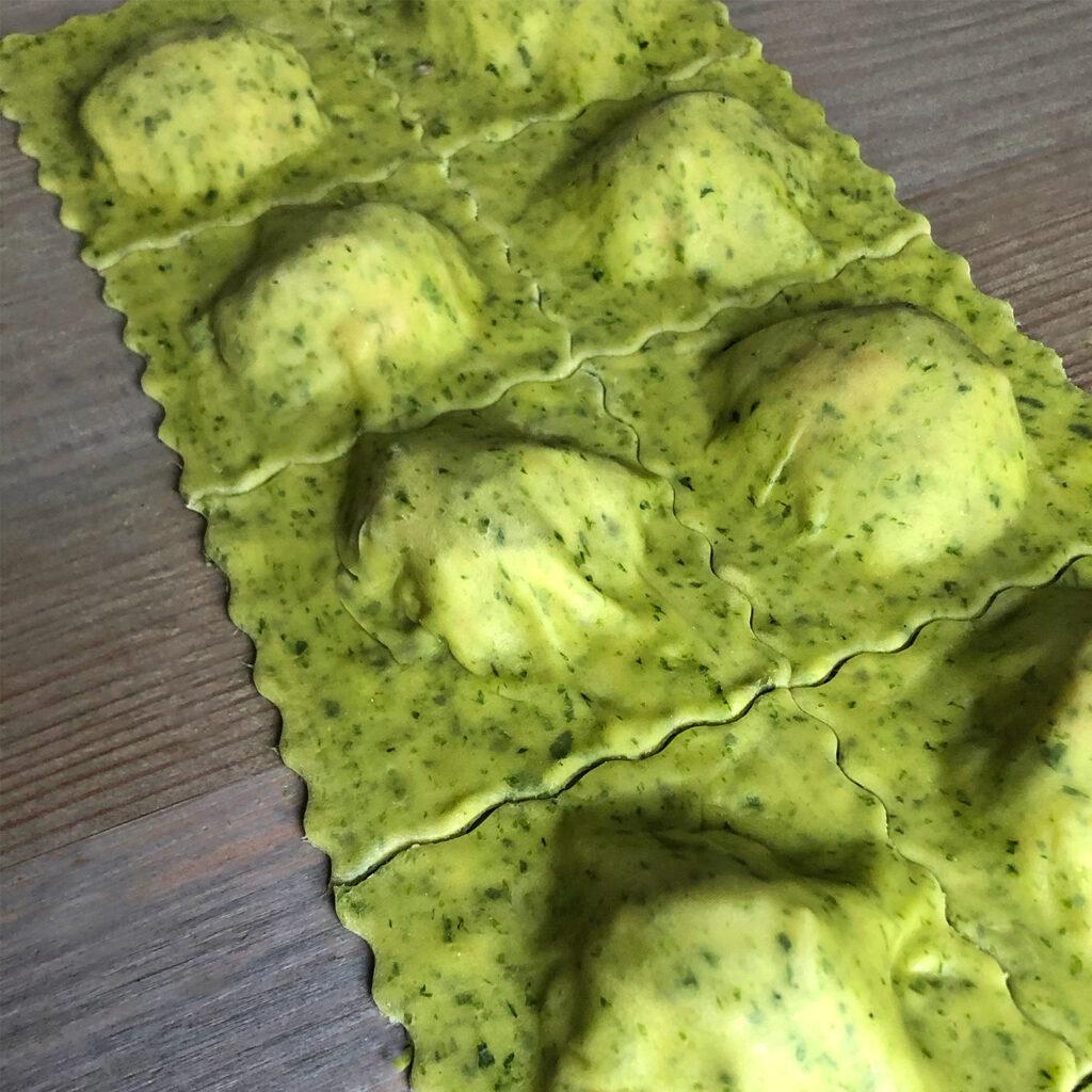 Bärlauch-Ravioli schneiden | Koch für 2!