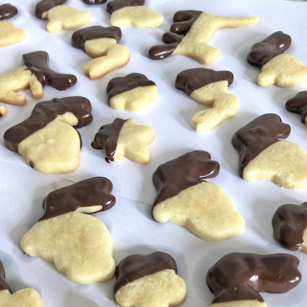 knusprige Butterkekse mit Zartbitterschokoladen-Überzug | Koch für 2!
