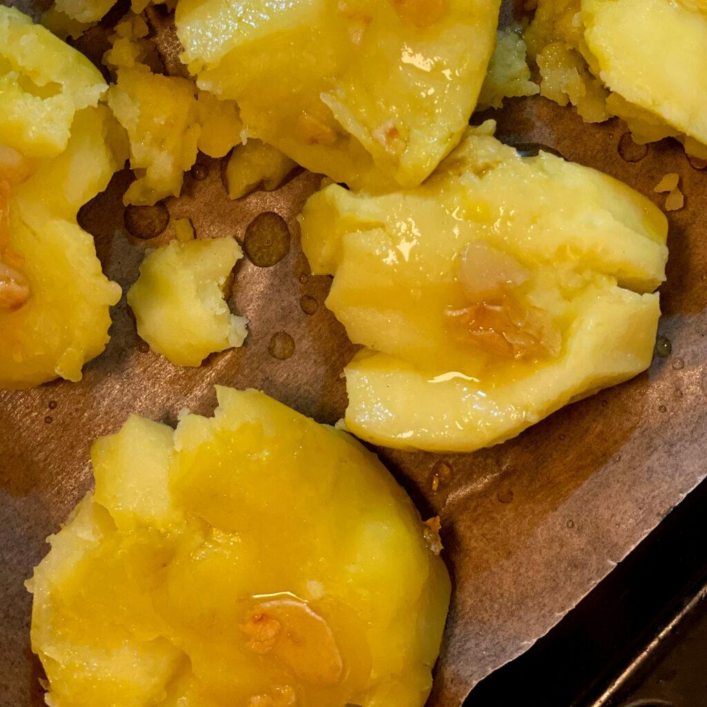 Backofen-Kartoffeln mit Knoblauchöl | Koch für 2!